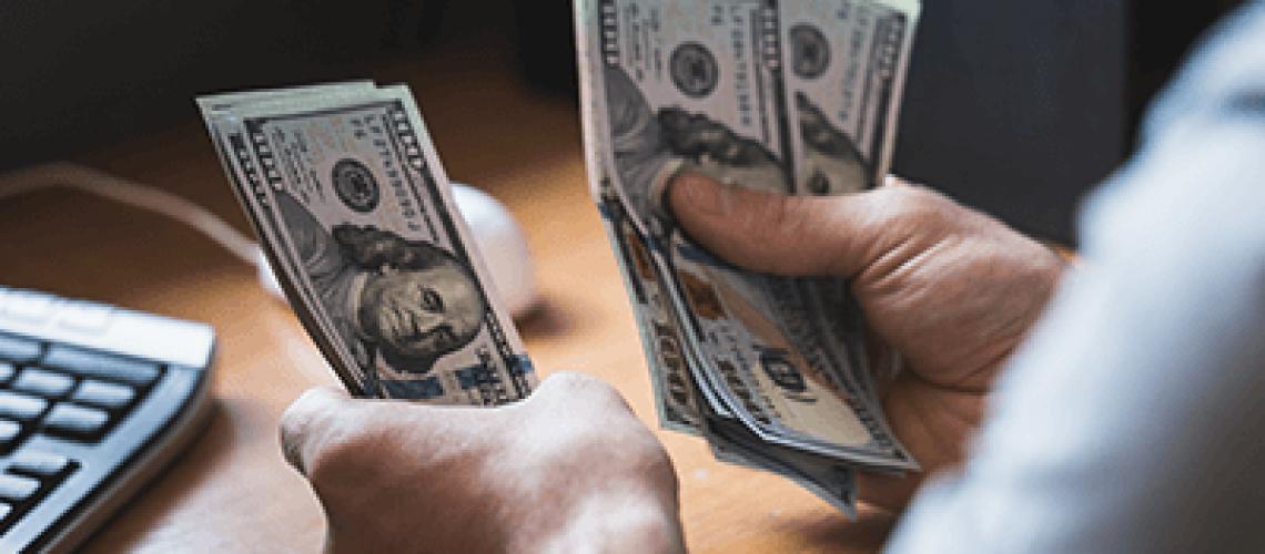 dolar-anota-su-octava-caida-consecutiva-y-encadena-la-racha-bajista-mas-extensa-desde-diciembre-de-2014